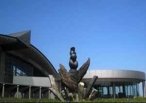 「大地の女神像」(2005年)